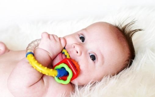 Развитие представлений о предметах, сенсомоторных схем у детей